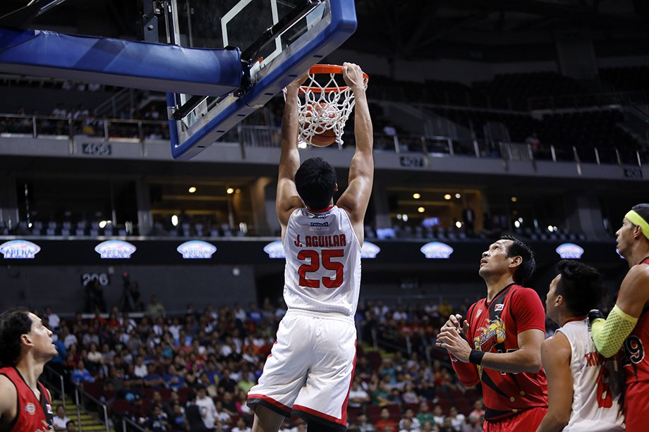 Japeth Aguilar dunk on game 3 leading Ginebra with 25points